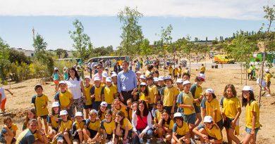 niños-alcalde-reforestacion