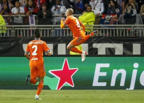 Luis Suárez le ahorra un lío al Barça