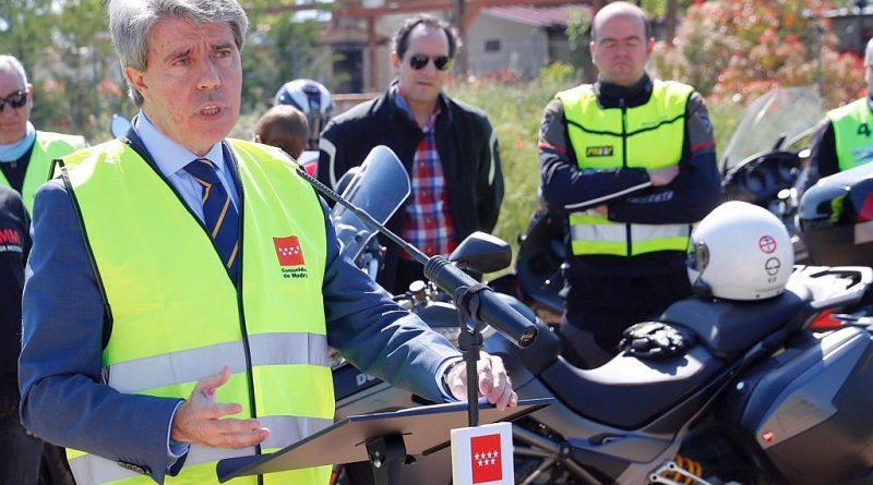 Angel Garrido se compromete con la seguridad vial de los motoristas