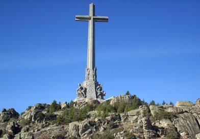 Protesta masiva contra la posible exhumación de Franco