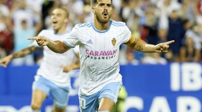 Javi Ros tras su gol de penalti ante el Rayo Majadahonda. Real Zaragoza