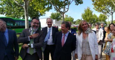 Rosalía Gonzalo, presenta en Villanueva de la Cañada la ampliación y mejora del servicio de autobuses de la zona noroeste.