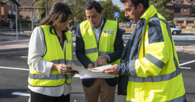 La alcaldesa de Pozuelo, Pérez Quislant, comprobando el desarrollo de las obras.