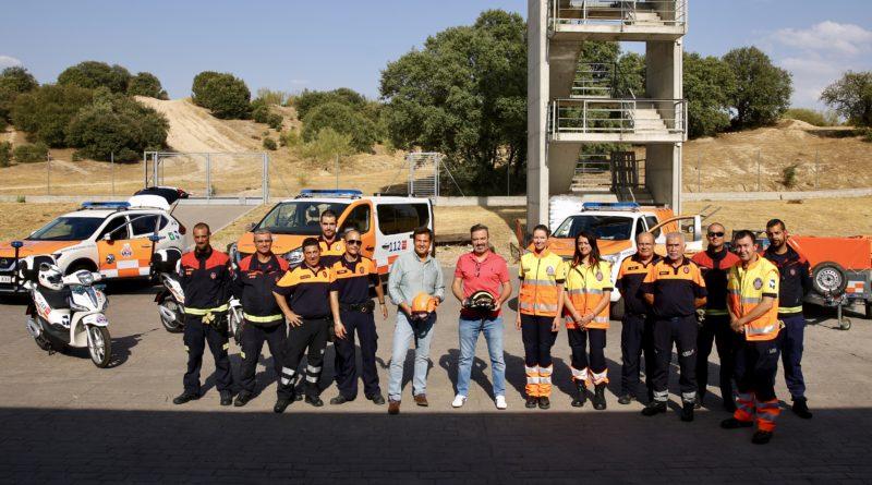 Entrega de los nuevos vehículos a la Agrupación Municipal de Protección Civil.