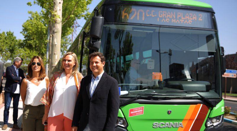La consejera en funciones de Transportes, Vivienda e Infraestructuras, Rosalía Gonzalo, visitó ayer Las Rozas.