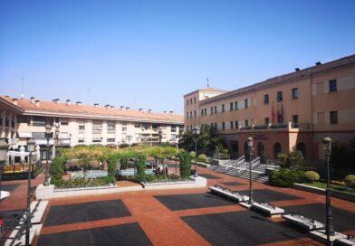 La Plaza Mayor de Pozuelo de Alarcón  luce nueva imagen tras las obras  de acondicionamiento de su pavimento